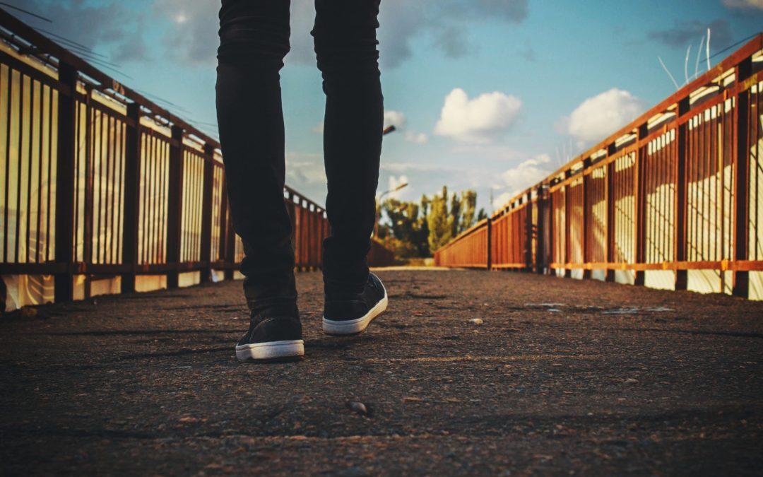 Rakennatko siltoja vai muureja?